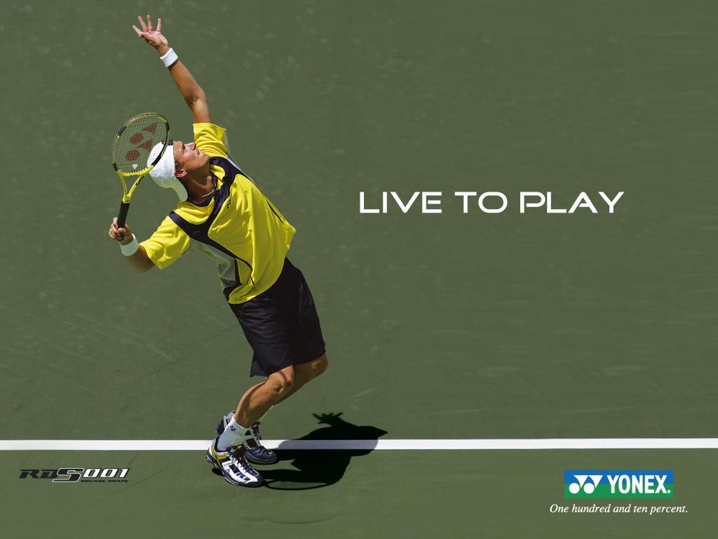 卢老打网球3