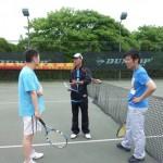 卢教练与银联和微软的队员交流技巧